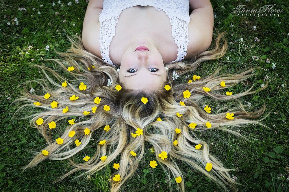 Tania-Flores-Photography-Portrait-Flowergirl