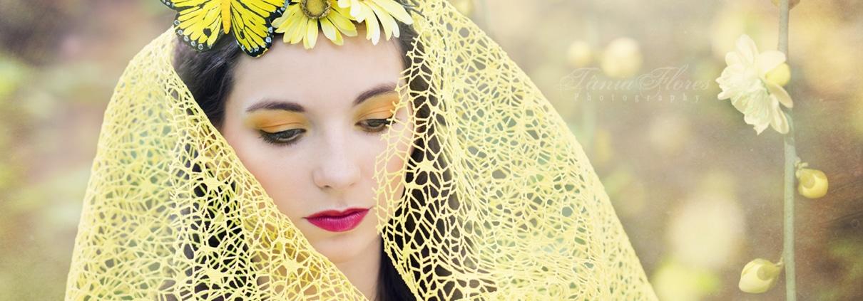 Tania-Flores-Photography-portrait-hello-yellow-4