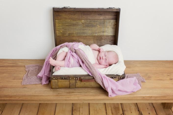 Tania-Flores-Photography-Neugeborenenfotos-1705-4