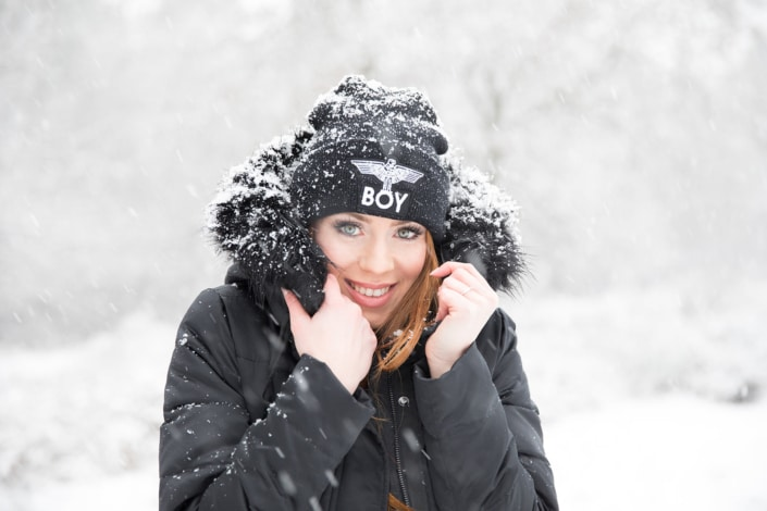 Tania-Flores-Photography-Girl-Portaits-Snow-4
