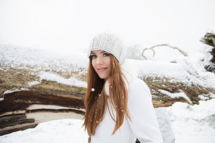 Tania-Flores-Photography-Girl-Portaits-Snow-5