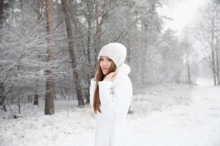 Tania-Flores-Photography-Girl-Portaits-Snow-8